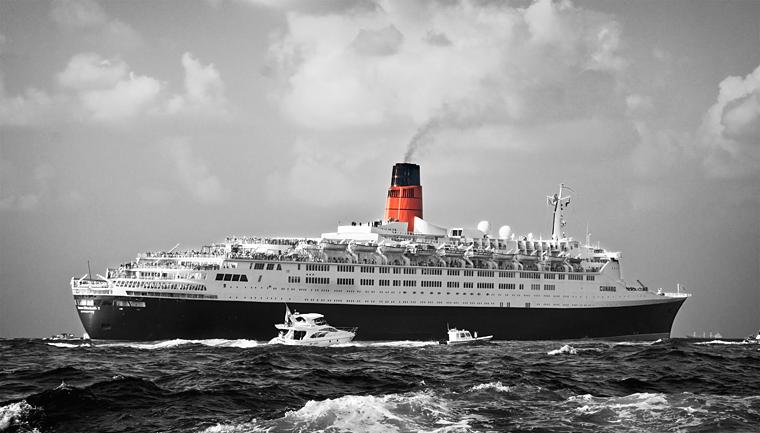 Queen Elizabeth 2 (QE2) in Dubai
