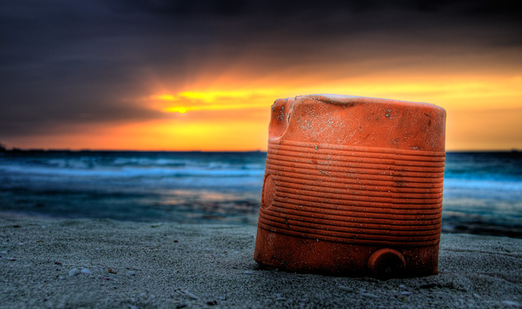 Photo of the week – Bright red trash