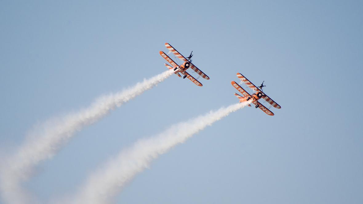 Syncronised flight