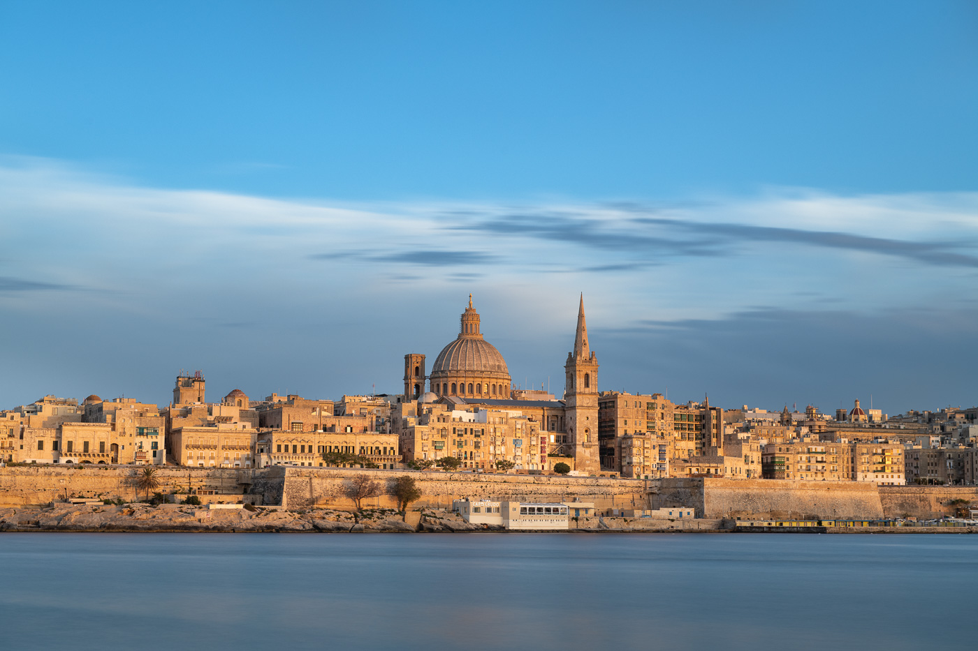 Arriving to Valletta by ferry from Sliena