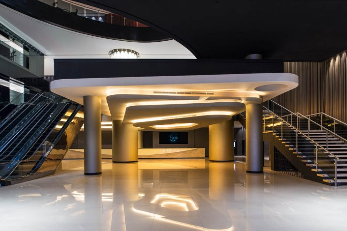 La Perle - completed lobby