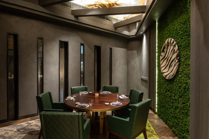 Interiors-Food and beverage-AkiraBack-WThePalmHotel-01